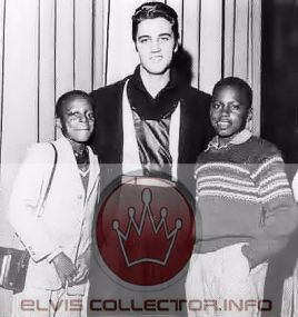 WM 1957 Elvis in middle two young student reporters school rareare