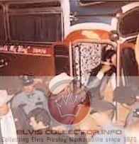 WM RARE 1970houston getn on bus